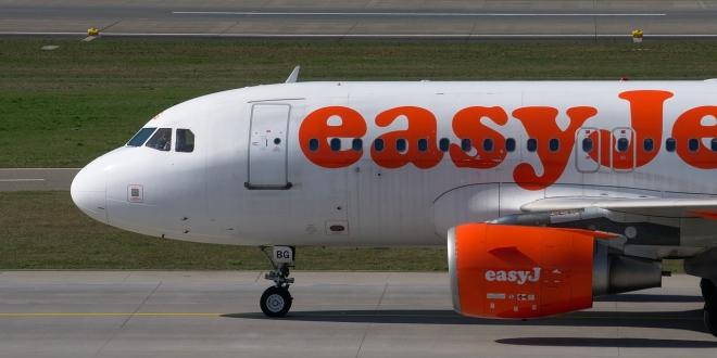 easyjet plane on runway